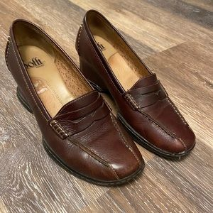 Brown leather wedge loafer size 8 by Soft